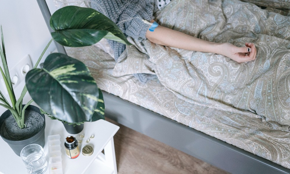 Krankenbett mit Patientin